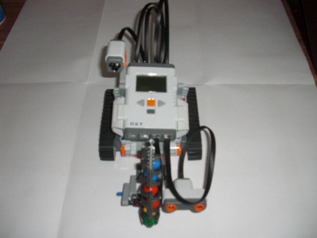 Lego Mindstorms Shooterbot Front View - Robotics Kits